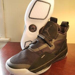 Jordan 33 Utility Blackout Size 10M Brand New!